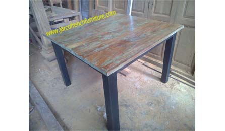 Square Table 120 Green Washed